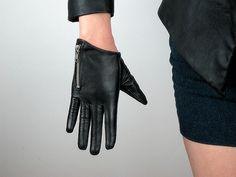 ༻✿༺ ❤️ ༻✿༺ Black Lambskin Leather Short Gloves w  Zipper ༻✿༺ ❤️ ༻✿༺