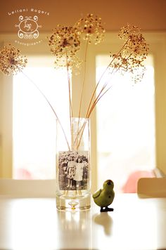 picture in vase..love this look.