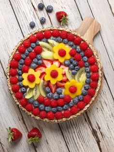 Driscoll's Berry Flower Vegan Tart Dessert Recipe | This flower tart is so radiant you won't want to disturb the arrangement, until you taste it!  #pictureperfectplate