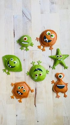 saltyseattle on Instagram: Little Pasta Monsters! Come learn this shape with me March 6th- link in profile or Saltyseattle.com/workshops. Virtual classes are live &… Pasta Art, Virtual Class, Linked In Profile, Monster Mash, Shapes, Bobby, Monsters, March, Eye