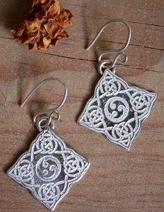 Boucles d'oreilles Odin, bijou celtique scandinave cornes d'Odin en argent