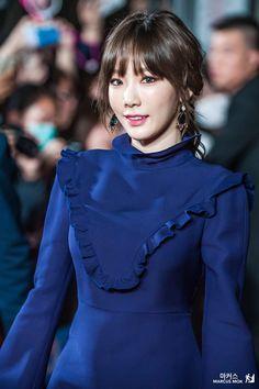 161202 MAMA 2016 Red Carpet Kim Taeyeon ❤️
