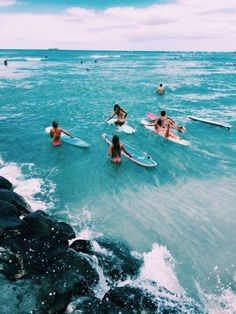 Pin by isabelle white on hawaii in 2019 серферы, серфинг, пляж. Photo Summer, Summer Pictures, Beach Pictures, Summer Vibes, Summer Feeling, Summer Things, Beach Aesthetic, Summer Aesthetic, Blue Aesthetic