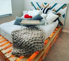 50+ Adorable Pallet Bed Ideas You Will Love - Crafome Pallet Bed Frames, Diy Pallet Bed, Wooden Pallet Furniture, Diy Bed Frame, Pallet Ideas, Pallet Bed With Lights, Palette Bed, Small Pallet, Bed Price