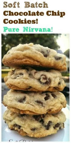 Delectable insane buttery rich thick soft-batch chocolate chip cookies are pure Nirvana. You wont want to miss out on these! - Chocolate Chip - Ideas of Chocolate Chip Perfect Chocolate Chip Cookies, Chocolate Cookie Recipes, Easy Cookie Recipes, Baking Chocolate, Baking Recipes, Dessert Recipes, Chocolate Chips, Mrs Fields Chocolate Chip Cookies, Recipes