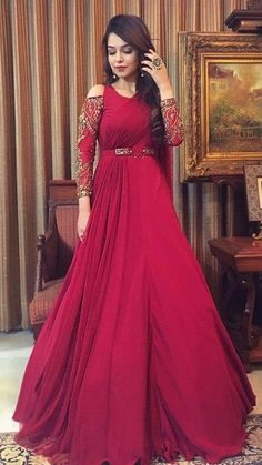 30 Trendy Sangeet Outfit Ideas for the Bride Indian Wedding Gowns, Indian Gowns Dresses, Indian Bridal, Bridal Dresses, Indian Designer Outfits, Indian Outfits, Designer Dresses, Stylish Dresses, Fashion Dresses