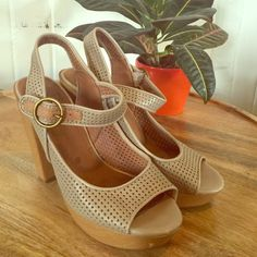 """Lucky Brand Platforms So cute! One tiny blemish not noticeable when wearing. Great neutral color. Heel is about 4"""" but platform so comfy. Lucky Brand Shoes Platforms"""