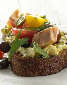 Tuna toasts topped with creamy egg salad, olives, and fresh tomatoes, these toasts are a meal in themselves. Gourmet Recipes, Healthy Recipes, Healthy Food, Creamy Eggs, Nicoise, Tuna, Meals, Dinners, Food To Make