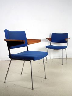 Lounge Chair by André Cordemeyer for Gispen Mid Century Modern Design, Mid Century Modern Furniture, Design Bauhaus, Dining Chairs, Lounge Chairs, Modern Chairs, Vintage Designs, Mid-century Modern, Interior