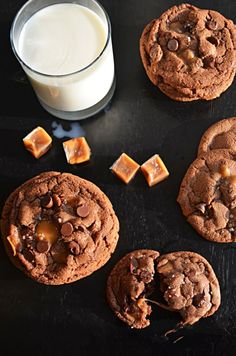 Salted and Malted Nutella Caramel Cookies-- these cookies are insanely delicious and will have everyone begging for the recipe this Christmas!