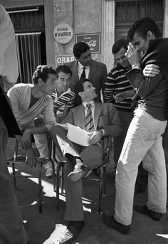 """Director Pier Paolo Pasolini on the set of """"Accattone"""" 1961 - Italy Verona, Foto Picture, Pier Paolo Pasolini, Werner Herzog, Italian People, Vintage Italy, Great Films, Photo Black, Old Movies"""