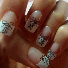 A new twist on a French manicure.