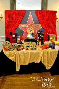 Hollywood Theme Party and the Items to Get for It : Hollywood Theme Party 10 Year Old. Hollywood theme party 10 year old. Star Wars Party, Movie Star Party, Movie Night Party, Rock Star Party, Movie Stars, Hollywood Sweet 16, Hollywood Red Carpet, Vintage Hollywood, Hollywood Candy