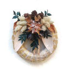 Kegyeleti koszorúk Archives - Page 2 of 2 - Szárazvirág díszek webáruház Grapevine Wreath, Grape Vines, Gardening, Decor, Corona, Decoration, Vineyard Vines, Lawn And Garden, Decorating