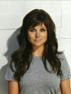 Thiessen and Elisabeth Rohm Issue Nationwide Kindness Challenge Bangs and layers. TAT is so pretty. I love her hair.Bangs and layers. TAT is so pretty. I love her hair. Tiffani Thiessen, Layered Haircuts, Great Hair, Pretty Hairstyles, Hairstyle Ideas, Black Hairstyles, Easy Hairstyles, Double Chin Hairstyles, Haircuts For Long Hair With Bangs