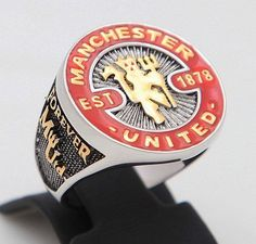 Manchester United Ring I so want this! Manchester United Merchandise, Manchester United Gifts, Manchester United Football, Manchester City, Man Utd Fc, Red Star Belgrade, Go Red, Sexy Girl, Lionel Messi