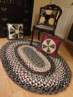 Heirloom Wool Cloth Braided Rug : 7 Steps (with Pictures) - Instructables Braided Wool Rug, Rag Rug Tutorial, Cubicle Makeover, Doily Rug, Oval Rugs, Home Decor Colors, Fabric Rug, Colorful Chairs, Quilted Pillow