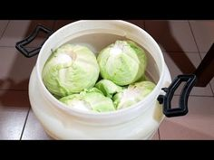 kako se kiseli kupus bez pretakanja - YouTube Lettuce, Cabbage, Vegetables, Youtube, Knitting, Food, Tricot, Veggies, Essen