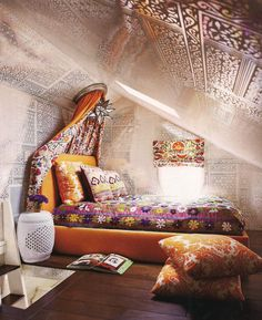 Bohemian bedroom ideas will be suitable for you who think as free spirit person and do not like to be conventional. There are lots of things to show bohemian bedroom especially from the design choices. Bohemian Bedrooms, Bohemian House, Bohemian Bedroom Design, Bohemian Decor, Boho Chic, Bohemian Room, Hippie Chic, Shabby Chic, Bohemian Interior