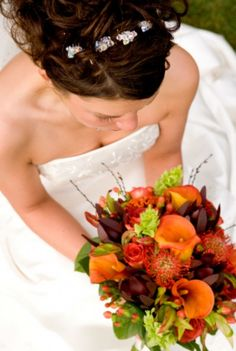 A collection of beautiful wedding bouquets from Your Wedding Company. Our picture gallery and color ideas will help you choose the perfect wedding bouquet. Fall Bouquets, Fall Wedding Bouquets, Bride Bouquets, Wedding Dresses, Modern Wedding Flowers, Bridal Flowers, Fall Flowers, Pretty Flowers, Fresh Flowers