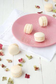 Macaron Coco, Ganache Macaron, Macaron Pistache, Macaron Recipe, Macarons Sans Gluten, Italian Meringue, Cake Photography, Cookie Recipes, Easy