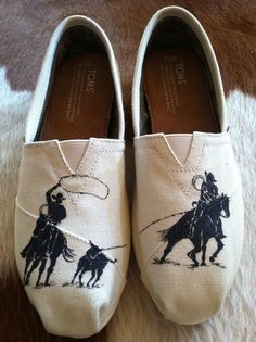 Hand painted team ropers on ivory Toms size 7.5. by TravelinJones, $60.00