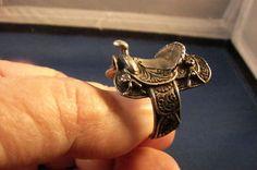 saddle ring  Neeeeeed! right now