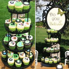 This Peter Pan inspired FINDING NEVERLAND Birthday Party that Lynlee of Lynlee's Petite Cakes Peter Pan Wedding, Peter Pan Party, Peter Pan Neverland, Finding Neverland, Peter Pan And Tinkerbell, Peter Pan Disney, Pirate Birthday, Pirate Party, Princess Birthday