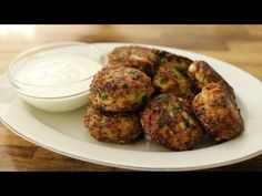 Cabbage Recipes : How to make Cabbage patties - Cabbage Recipes Video Cabbage Recipes Cabbage patties recipe - crispy in the outside, soft inside. These fried cabbage balls/patties/cutlets are easy to Burger Recipes, Keto Recipes, Vegetarian Recipes, Cooking Recipes, Healthy Recipes, Quinoa Burgers, Patties Recipe, Fried Cabbage, Vegetarian Cabbage