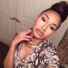 updo hairstyle, bun, black women inspiration, brown lipstick, nude lipstick, natural makeup Pinterest: @Floratulipe7 ♡