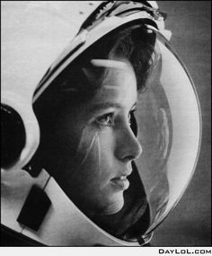Anna Lee Fisher, the first mother in space