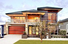 Modern Exterior Homes When you think of building a new home you are faced with two choices, build a traditional house or choose a modern house plan. Modern House Plans, Modern House Design, Modern House Exteriors, Modern Exterior, Exterior Design, Exterior Homes, Modern Garage, Architecture Design, Facade House