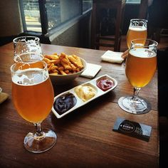 #Chips  #beers. #bestcombo! A double-IPA Keller Door #4Pines beer. Great beer that's smoother than I thought for a double IPA.