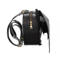This looks so cool! It reminds me of Ravens backpack in #Vampirekisses !