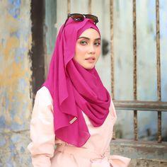 @hanabellascarf Pagi ni news paling best! Meyluv instant shawl dah restok 8 warna paling letops tau. Collection ni bila restok je sold out sebb ni instant paling senang, selesa dan bentuk paling lembut cantik terletak! Sape dah ada Meyluv cuba angkat tangan sket 🙋🏻🙋🏻🙋🏻 . ------------------- LIMITED RESTOCK #Meyluv Boleh dapatkan di website www.hanabella.com.my atau walk in atau #trustedhbagent .  Hana Bella Ipoh No 28, Jalan Meru Bestari B5, Bandar Meru Raya, Ipoh…