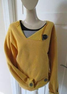 Appliqued Sweatshirt Yellow Mustard Sweatshirt by StitchesbyJulia Sweatshirt Makeover, Sweatshirt Refashion, Sweatshirt Dress, Diy Clothes Refashion, How To Wear Scarves, Sewing Clothes, Sportswear, Sweatshirts, Hoodies