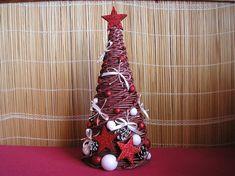 Výsledek obrázku pro pletený vánoční stromek z papíru