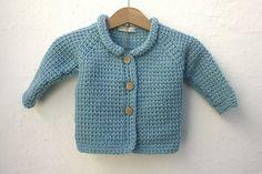 ponto de malha   produtos lã: CASACO B.010   KNITTED JACKET B.010 Knit Jacket, Sweaters, Jackets, Fashion, Knit Stitches, Cardigan Sweater Outfit, Productivity, Products, Light Blue