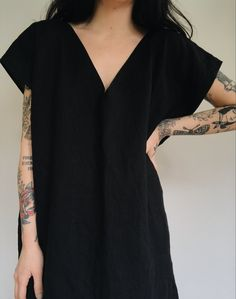 Deep V Dress in Black Linen — Frond Looks Style, My Style, Deep V Neck Dress, Schneider, Black Linen, Madame, Mode Inspiration, Handmade Clothes, Minimalist Fashion