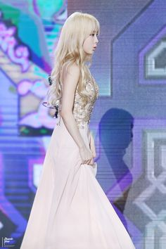Team ☆ εїз TaeTae εїз (150910 Taeyeon @ Seoul Drama Awards。(via...)