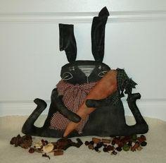Primitive Black Bunny And Carrot by kklprimitives on Etsy