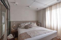 "Malbu Arquitetura on Instagram: ""Apartamento 72 | Ritmo e leveza l 📸: @rafaelrenzo_fotografia"" Instagram, Bed, Furniture, Home Decor, Bedrooms, Arquitetura, Fotografia, Decoration Home, Stream Bed"