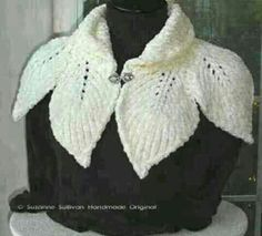 Leaf capelet knitting pattern shawl cape wrap - more capelets at… Knitted Shawls, Crochet Scarves, Crochet Shawl, Crochet Clothes, Crochet Cape, Irish Crochet, Knitting Stitches, Knitting Patterns Free, Knit Patterns