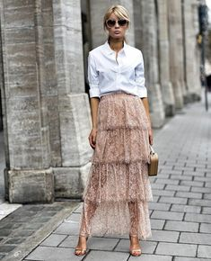 That skirt is stunning! I want it 👠 Stylish outfit ideas for women who love fashion! Mode Outfits, Skirt Outfits, Fashion Outfits, Girly Outfits, Pretty Outfits, Fashion Mode, Look Fashion, Fashion Trends, Fashion Spring