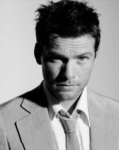 Sam Worthington plays Perseus in the remake of the film Clash of the Titans. Although most of the film is CGI, Sam Worthington is all good old fashioned Hot Actors, Actors & Actresses, Pretty People, Beautiful People, Beautiful Person, Sam Worthington, Australian Actors, Sharp Dressed Man, British Boys