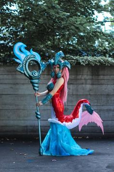 Koi Nami Cosplay from League of Legends - Simply Awesome! Nami Cosplay, Cosplay Anime, Cosplay Girls, Batman Cosplay, Nami League Of Legends, Cosplay League Of Legends, Amazing Cosplay, Best Cosplay, Up Costumes