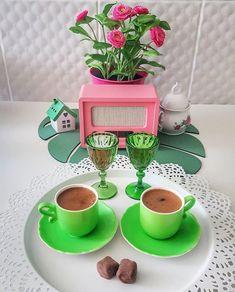 Little's Coffee, Coffee Cafe, Coffee Drinks, Good Morning Tea, Chocolate, Tea Time, Cupcake Cakes, Iphone Wallpaper, Planter Pots