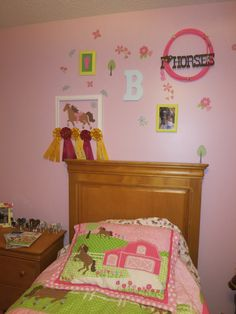 Horse bedroom- kinda what my room is going to look like only I an going to have a canopy