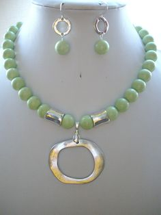 Soft Lime Green Jasper Bead Necklace with Large Silver Donut Pendant and Silver Tube Beads and Earrings Wire Necklace, Wire Jewelry, Jewelry Crafts, Jewelry Art, Gemstone Jewelry, Beaded Jewelry, Handmade Jewelry, Jewelry Necklaces, Jewelry Design