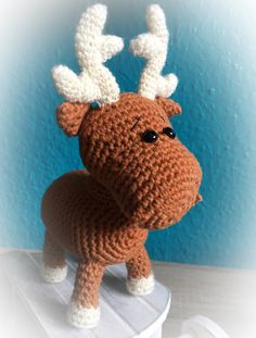 Süße Häkelanleitung Amigurumi Elch nicht nur zu Weihnachten eine schöne Idee! Anfängerfreundliche Anleitung! Easy Amigurumi Pattern, Crochet Animal Amigurumi, Crochet Doll Pattern, Amigurumi Doll, Crochet Animals, Crochet Dolls, Crochet Patterns For Beginners, Easy Crochet Patterns, Doll Patterns